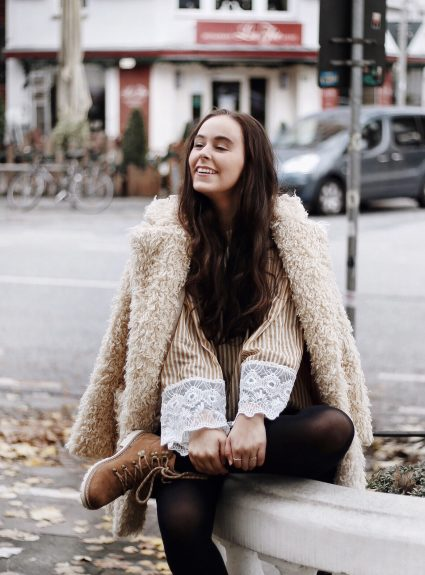 HAMBURG OUTFIT: TOMS WINTER BOOTS – ONE FOR ONE